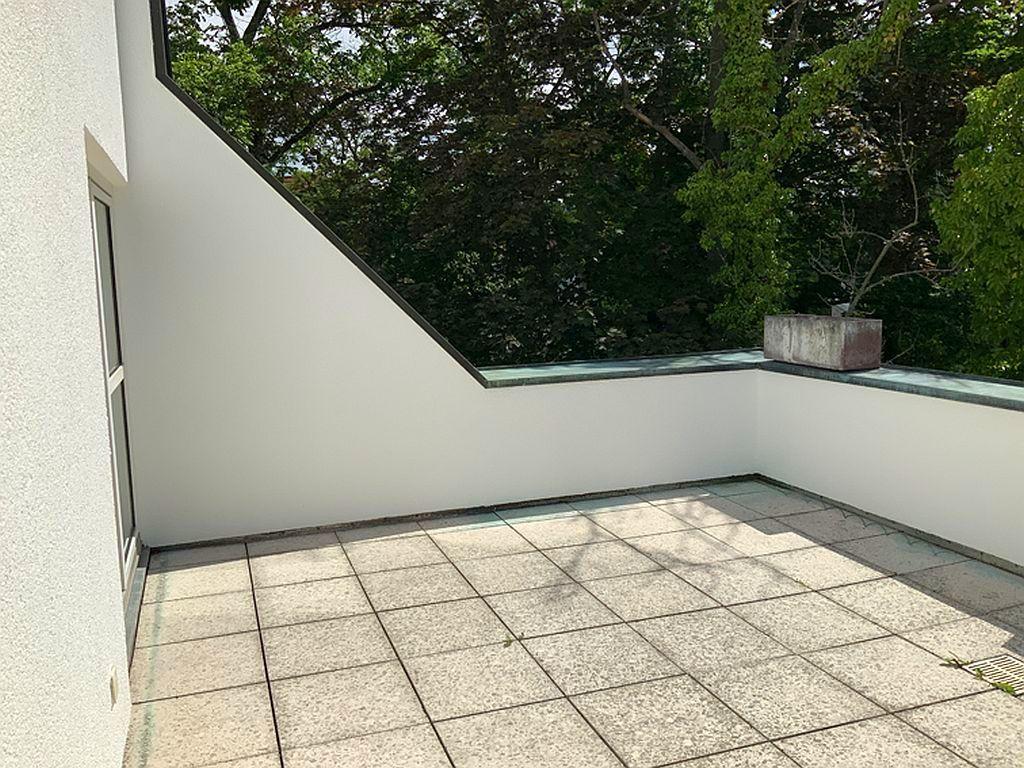 Teilbereich Dachterrasse (Sommerbild)