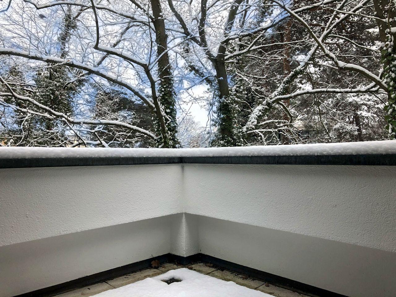 Winterblick OG-Balkon-Terrasse