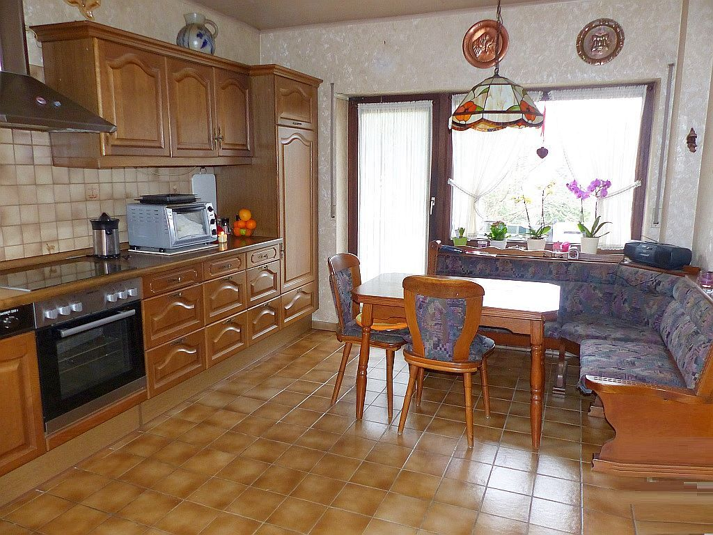 Wohnküche mit Balkonausgang