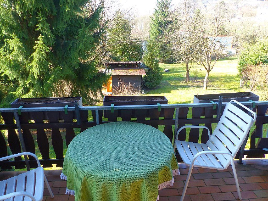 Balkonblick zum Garten