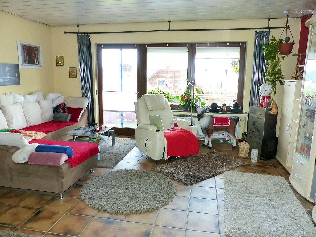 Whg. I: Wohnbereich mit Balkonausgang