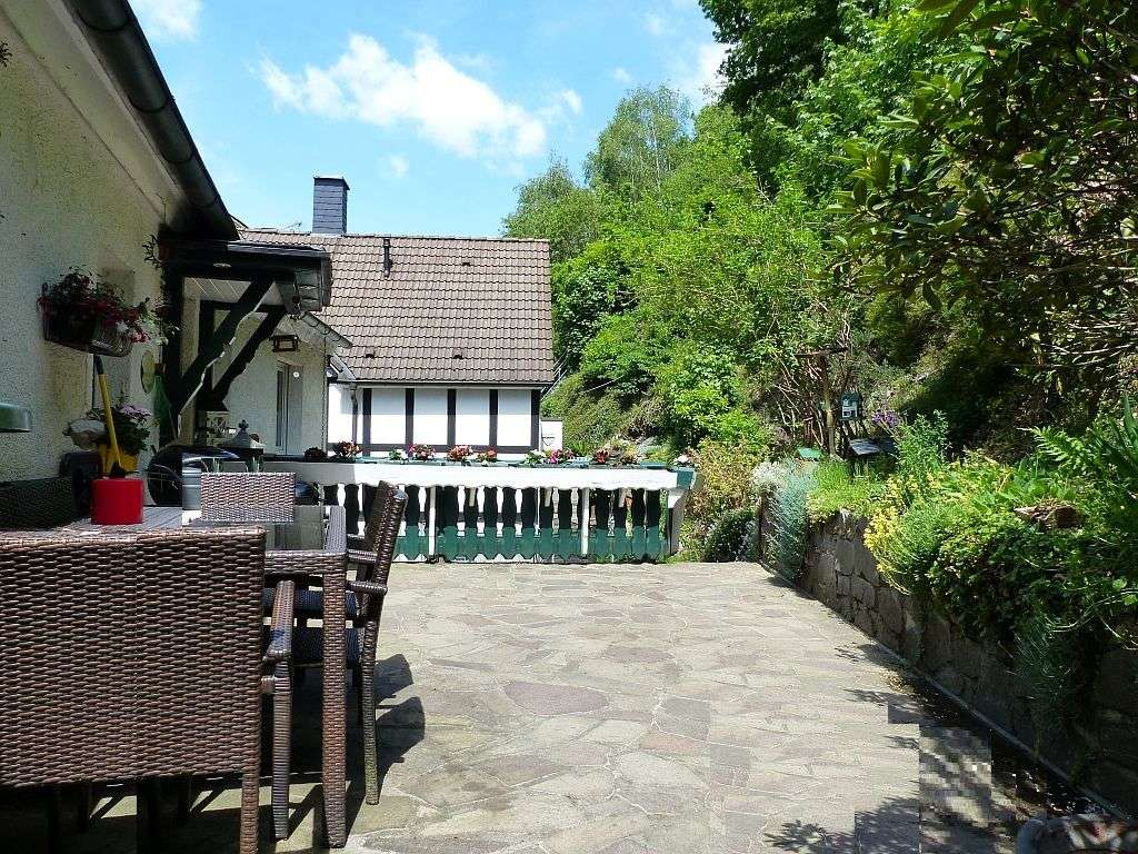 Terrasse mit OG-Wohneingang