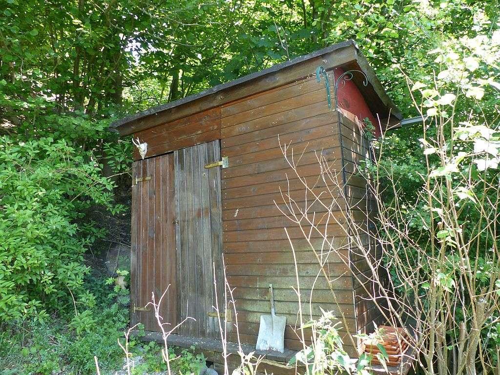 Gerätehütte am Hochplateau